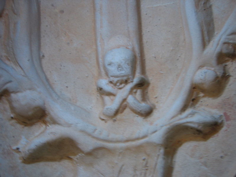 skull pottery reverse mold in moustiers