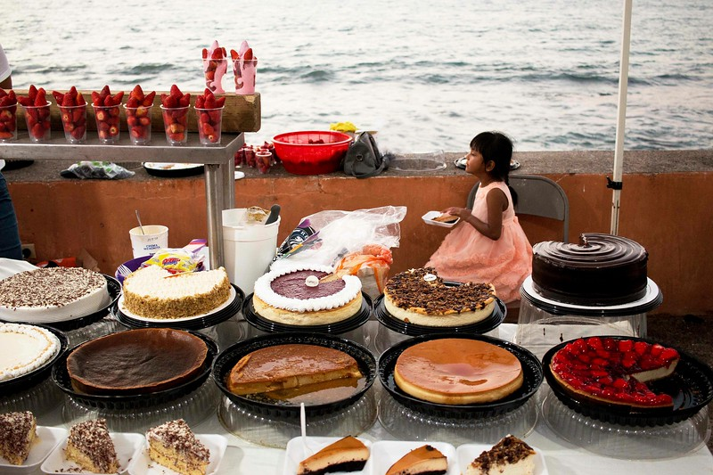 Selling Desserts on the Malecon