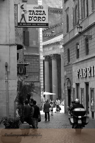 Tazza D'Oro Near Pantheon