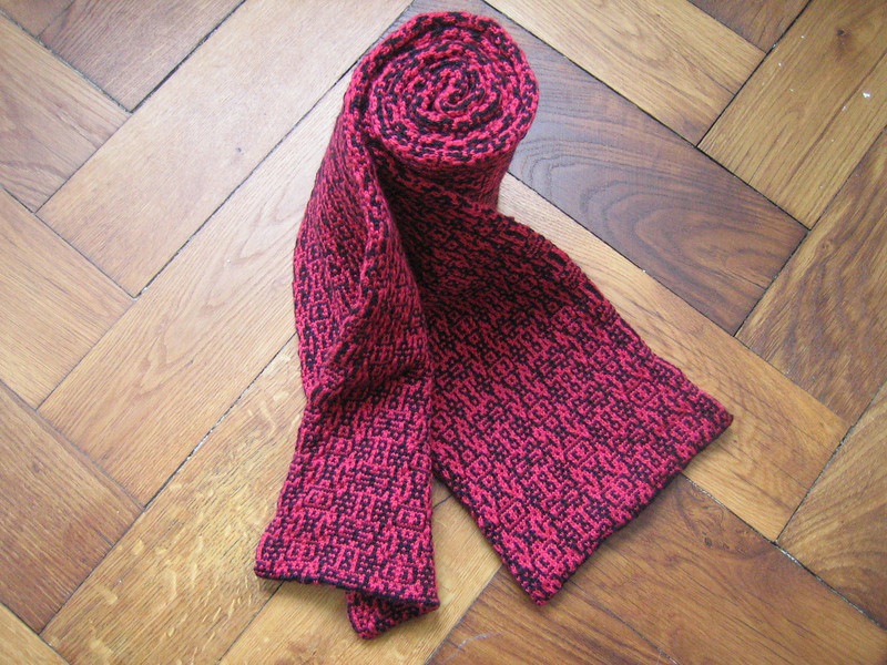 algorithmic morphing scarf front and back