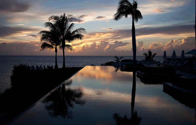 Sunset III, Infinity Pool, Viceroy