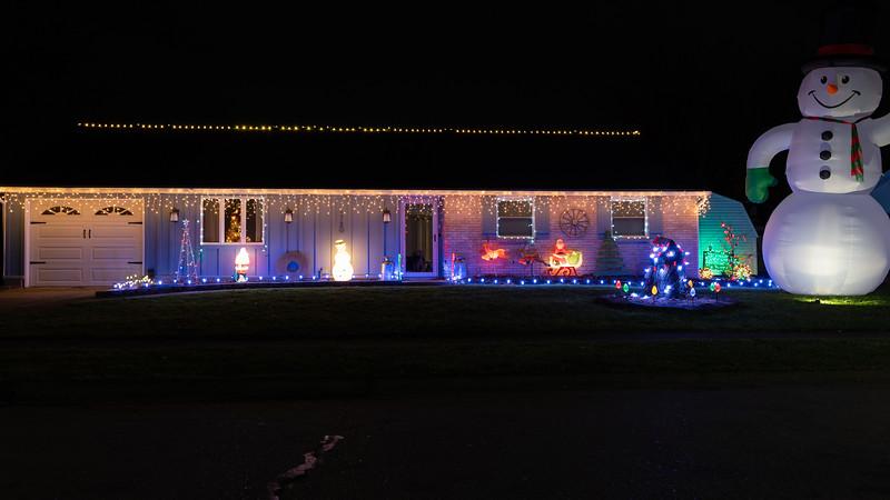 logan-elm-village-christmas-lights-127.jpg