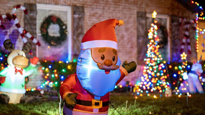 logan-elm-village-christmas-lights-105.jpg