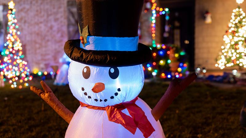 logan-elm-village-christmas-lights-106.jpg