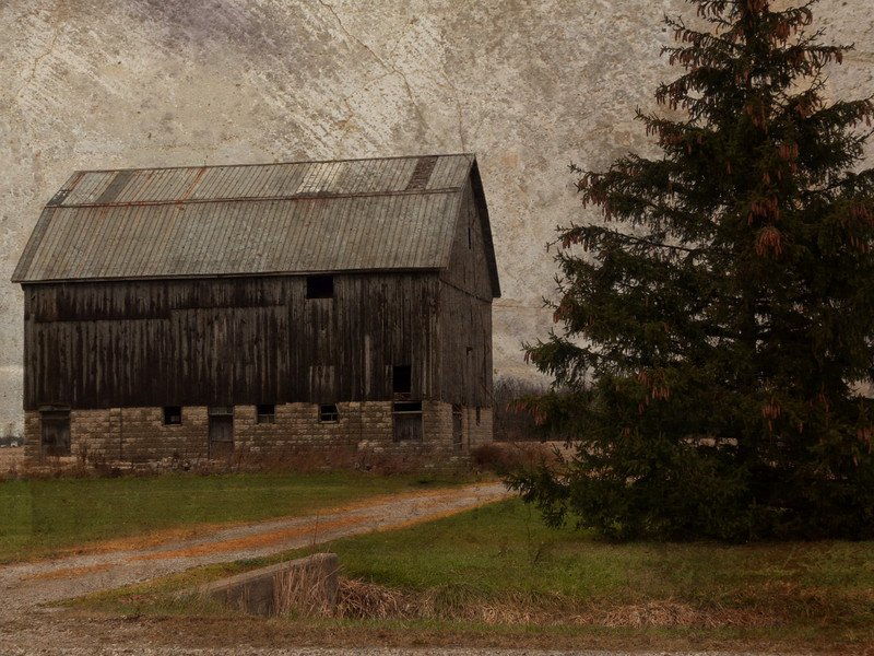 A lovely barn still stands proud.
