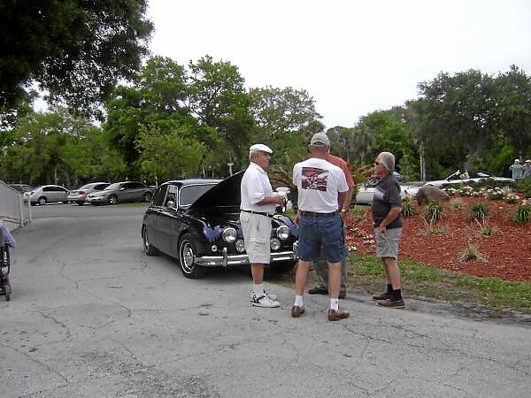 Wayne, Paul, Herb & Gary kicking tires