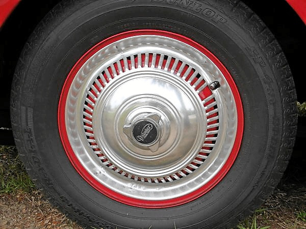 Bob Wilson 1961 Daimler hubcap