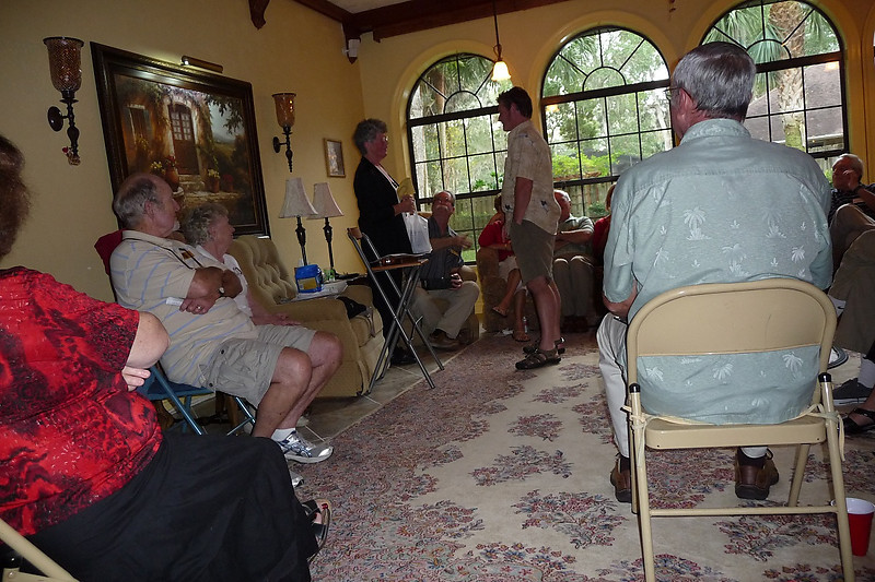 Celia presenting gift to Joe Vetter - past pres 2010