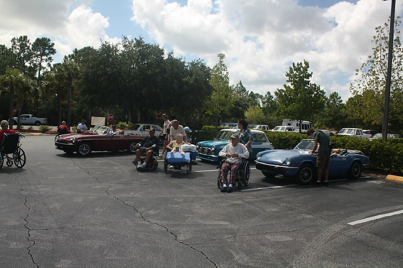 Beginning of Show with residents touring