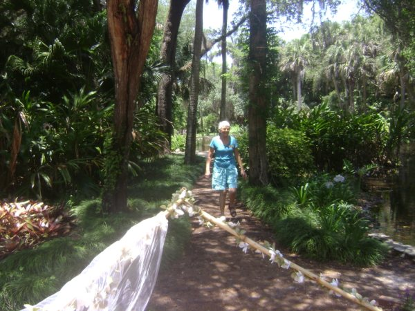 nature trail with ursula suddard <br /> Washington Oaks Picnic <br /> May 22 2010