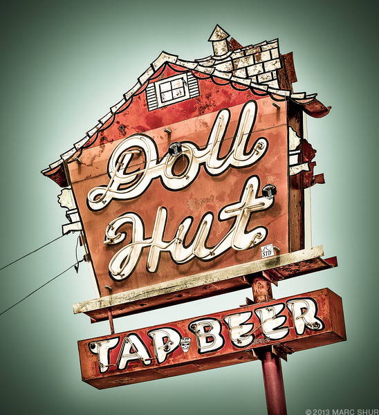 Doll Hut Bar