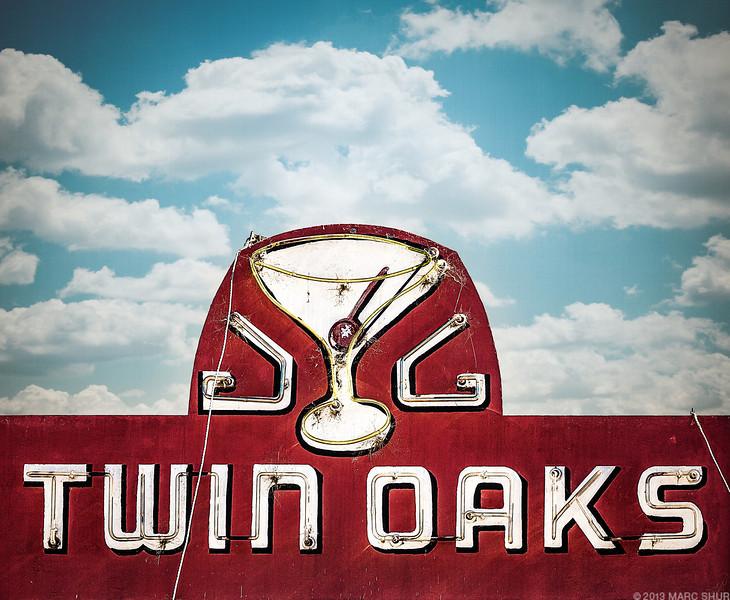 Twin Oaks Tavern