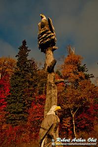 Autumn sunrise highlights eagles totem pole at Lutsen Resort on Lake Superior (USA MN Lutsen; RAO 2012 Nikon D300s Image 3913)