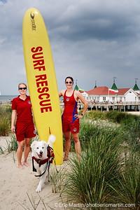 LES ILES DE RUGEN & USEDOM EN ALLEMAGNE. L'île d'Usedom. Luisa Fotrdran et Laura Heisel, les maitres-nageuses sauveteuses de la plage d'Ahlbeck, une station balnéaire de la mer Baltique.