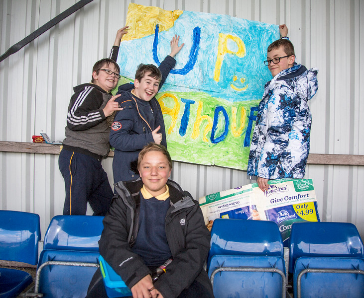 EEjob 13/11/2017 SPORT Allianz Sciath na Scol Finals at Páirc Uí Rinn. Rathduff supporters setting up before their game.  Picture: Andy Jay