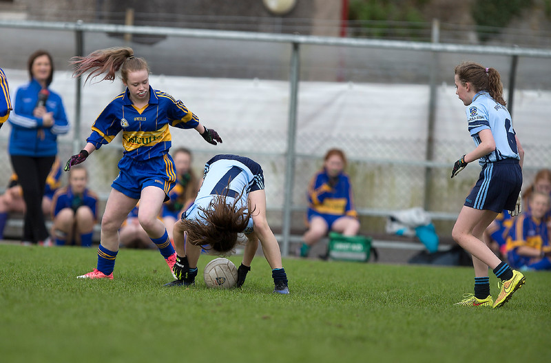 EEjob 13/11/2017 SPORT Allianz Sciath na Scol Finals at Páirc Uí Rinn.  Rathduff v Barryroe   Barryroe's Tara Fleming hangs onto the ball to pass forward as Rathduff's Chloe Garrett moves in.  picture: Andy Jay