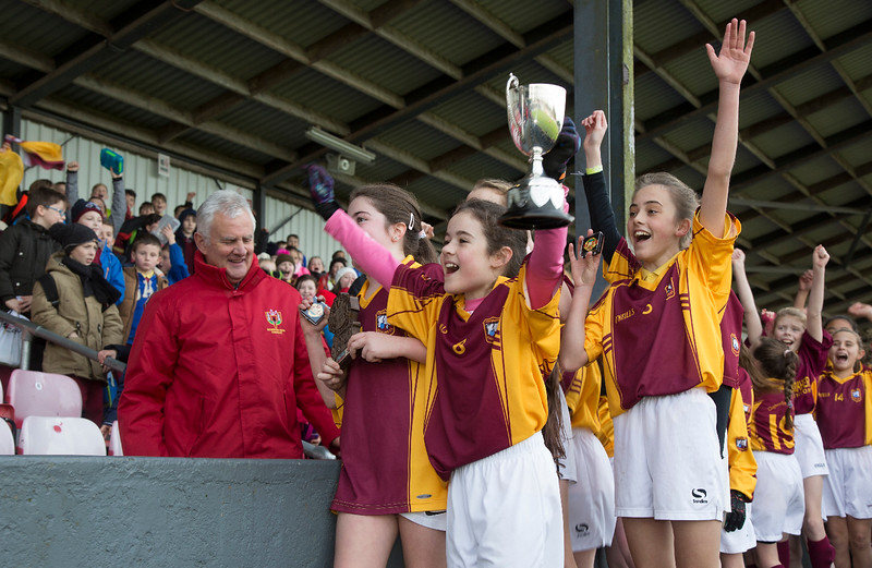 EEjob 13/11/2017 SPORT Allianz Sciath na Scol Finals at Páirc Uí Rinn. Glogheen v Walterstown.  Glogheen presentation . Captain Alannah Walsh and team raise the cup after victory over Walterstown. Picture: Andy Jay