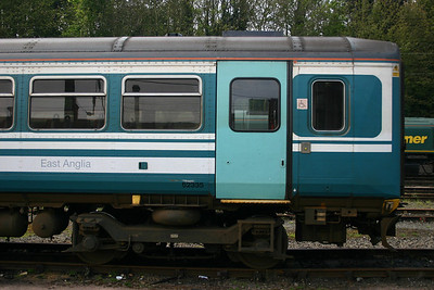 153335 - National Express ex Anglia paint