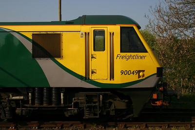 90049 - Freightliner 'Powerhaul' repaint