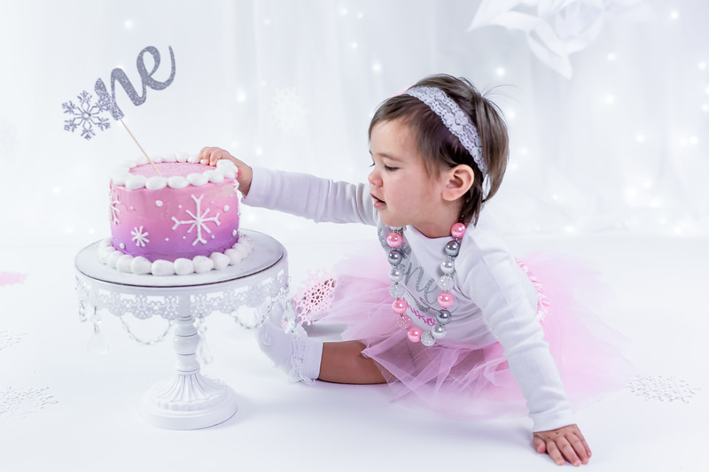 Allred 12 Month Cake Smash18
