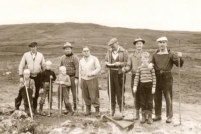 Sjálboðaliðar við störf í Grafarholti 1958. Klúbburinn flutti í Grafarholtið 1963.