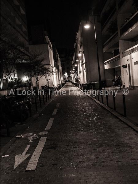 narrow streets of paris