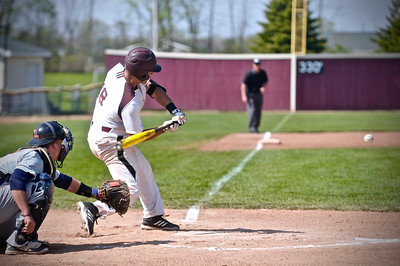 Alma College was unable to hold onto a 3-0 lead as it fell to Hope in the MIAA tournament. (Sun photos by Paul Beroza)