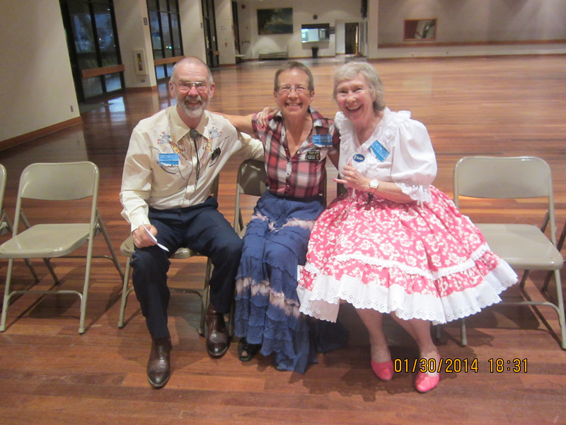 Koke with visting dancers: Bob & Dorothy (Canada)