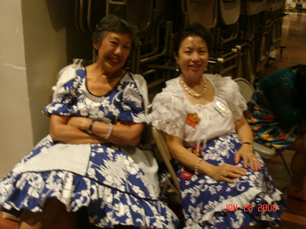 Our devoted round dance volunteer instructor Barbara and Mary, just chill out.