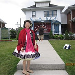Mary and others visit Motown place