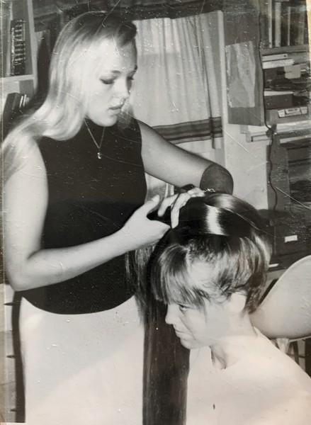 Cindy Shaw, Susie Linsenbard