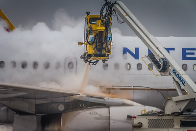 De-Icing Time at KCLE!