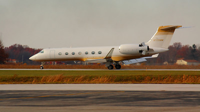N725MM - A Gulfstream G550 Landing on KLPR Runway 25!  © 2010 Paul L. Csizmadia  All Rights Reserved  No Use Allowed without Permission
