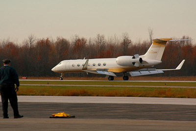 N725MM - Gulfstream G550 - Flaps, Spoilers and Thrust Reversers Landing on KLPR Runway 25!  © 2010 Paul L. Csizmadia  All Rights Reserved  No Use Allowed without Permission