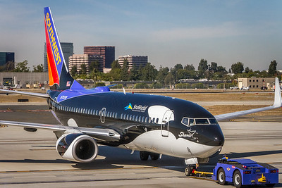 N715SW - Southwest Airlines -  Boeing 737-7H4  - 'Shamu' Pushing Back at KSNA/Orange County
