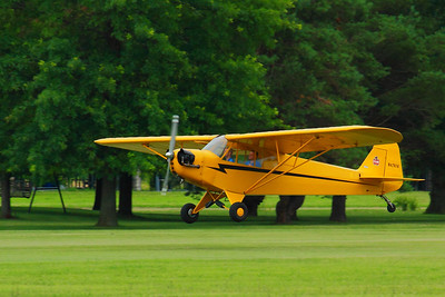 N42574 - A 1945 Piper 'Cub'!