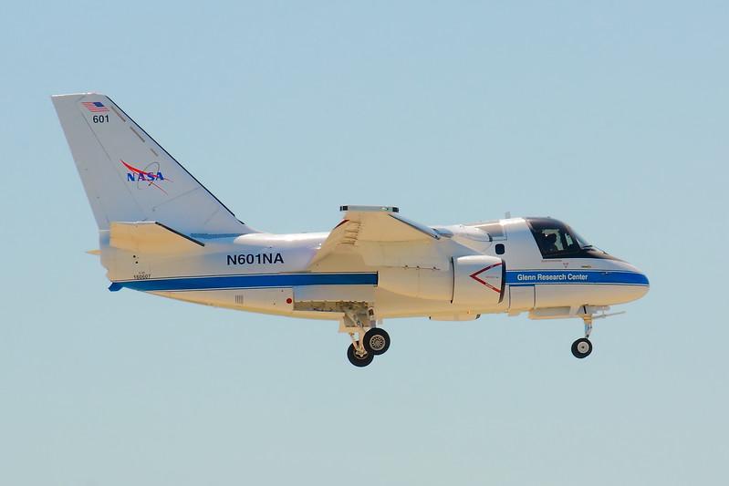 N601NA - NASA S3-B 'Viking' on Final for CLE 24R!