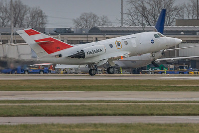 N525NA - NASA Langley Research HU-25C Guardian (Dassault Falcon 20G) Landing KCLE Runway 24L!