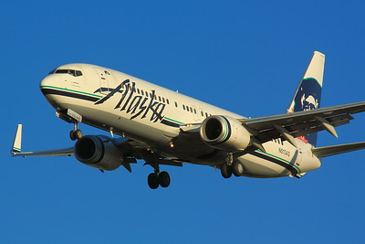N513AS - 'Alaska Air'  -  Boeing 737-890  -  On Final for KSEA (Seattle/Tacoma International Airport) Runway 34C!