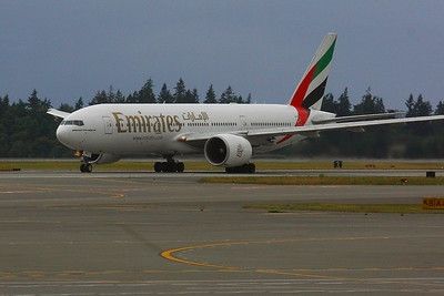 A6-EWE  -- Emirates Boeing 777-21HLR --  Take Off Roll on KSEA (Seattle/Tacoma International Airport)  Runway 16L