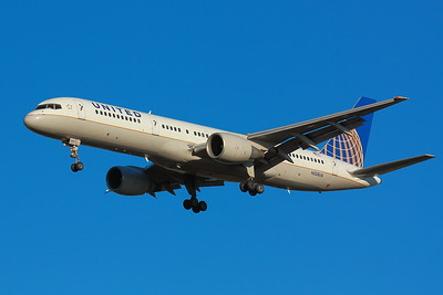 N528UA - United Airlines -  Boeing 757-222  - On Final for KSEA (Seattle-Tacoma International Airport ) Runway 34C