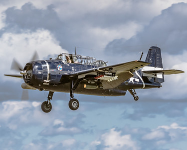 Grumman TBM-3E 'Avenger' - On Final for KYIP Runway 27