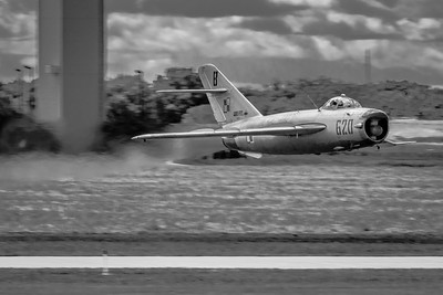 Mig 'On the Deck' - 500 Knots at 15ft in a Polish Built Mig-17PF 'Fresco'