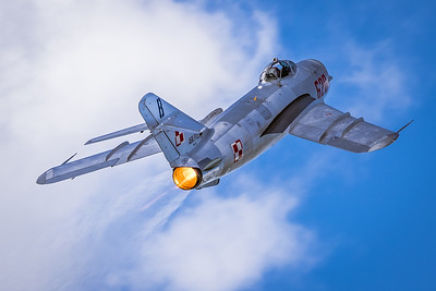 One 'Hot' Mig! - Mig-17PF 'Fresco' D Climbing Out in Full Burner
