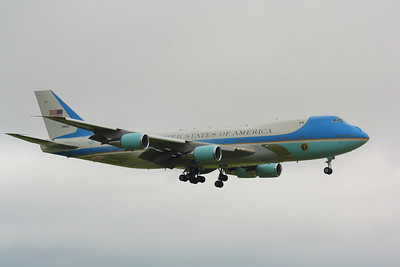 'Air Force One' - On Final for CLE 24R