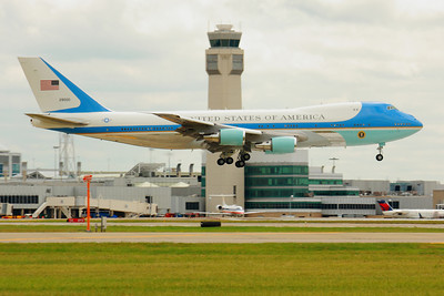 SAM29000 - As 'Air Force One' - 'Crossing the Tower' Landing CLE 24L!  © 2010 Paul L. Csizmadia  All Rights Reserved  No Use Allowed without Permission