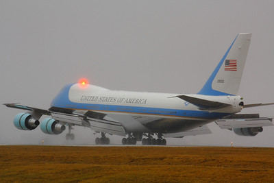 SAM 29000 - 'Air Force One' with Flaps, Spoilers, and Reverse Thrust  Landing on CLE 6L!