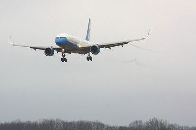 SAM 80001 - 'Air Force Two'  on Final CLE 6L!