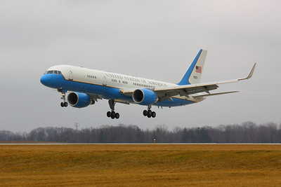 SAM 80001 - 'Air Force Two' About to Land on CLE 6L!