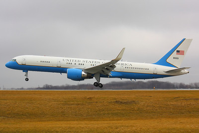 SAM 80001 - 'Air Force Two' Arriving on CLE 6L!